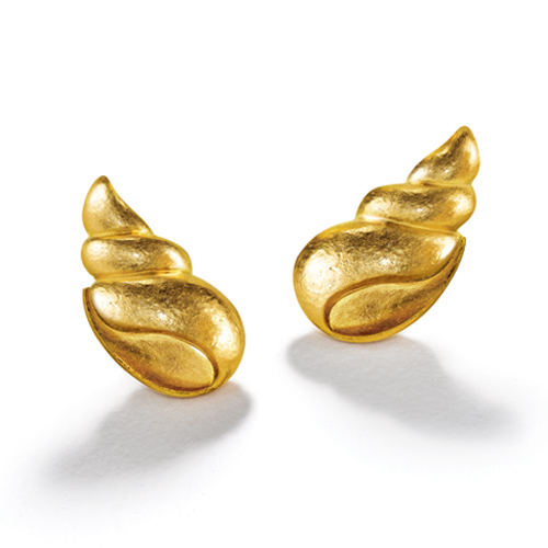 Belperron-Jewelry-Coquillage-Earclips-Virgin-Gold